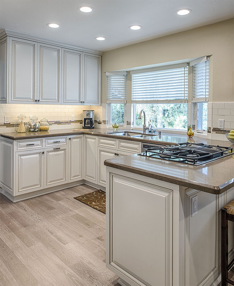 Nice-kitchen-white-smooth-counters